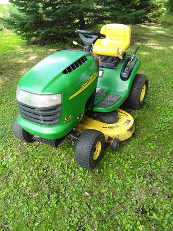 Photo John Deere L 111 lawn mower with a 20 hp v twin and a 42quot deck - $580 (Stewartville)