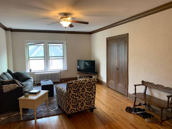 Photo Looking for a Female Roommate to share a 2Bed1Bath Apartment (Rochester, MN)