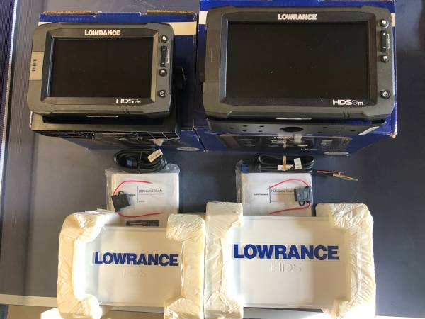 Photo Lowrance HDS Touch 9m and 7m - $900 (Rochester MN)