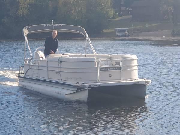 Photo Newly Refurbished 2439 Cruiser Pontoon Boat w 140 HP EFI 4-STROKE Motor - $21,900 (Remer, MN)