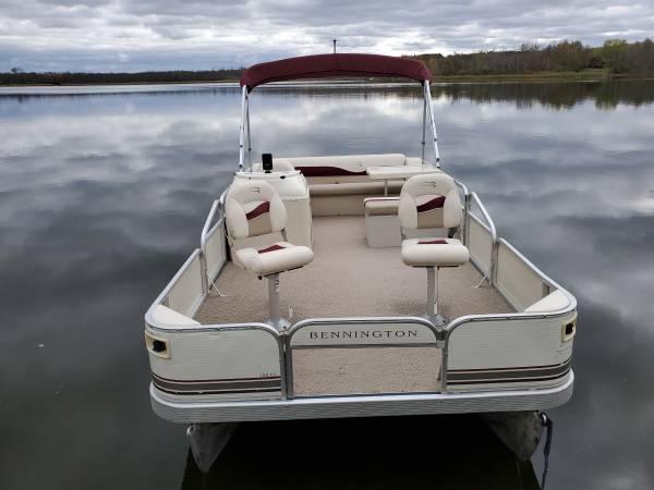 Photo Nice 1839 FISHCRUISE Pontoon Boat w with 2009 25 HP EFI 4-STROKE Motor - $9,900 (Remer, MN)