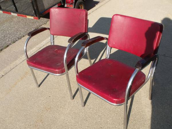 Photo Pair of Vintage Chrome Kitchen  Dining Chair  Chairs  Waiting Room - $60 (Kasson)
