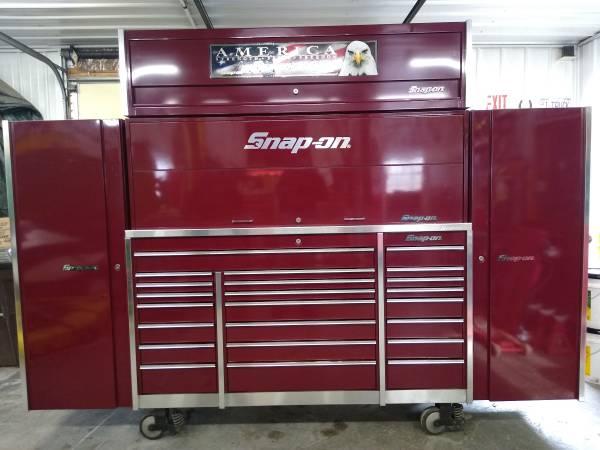 Photo Snap On toolbox - $14,400 (Zumbrota)