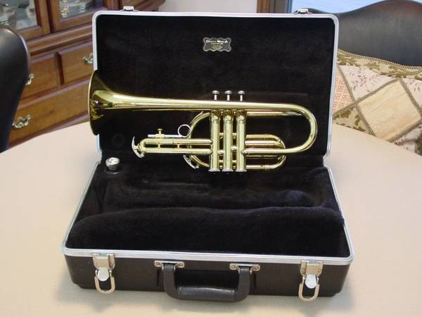 Photo Vintage 1960s King Tempo 602 USA Cornet with Case  Bach 7C Mouthpiece - $150 (Rochester)