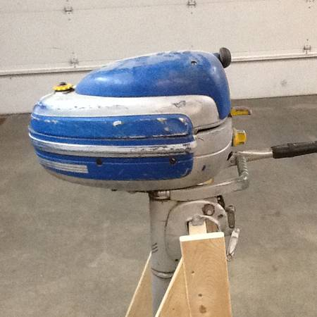 Photo Vintage boat motor - $200 (Rochester)