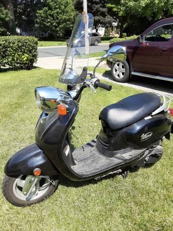 Photo Yamaha Vino 125cc - $1500 (Spring Valley)