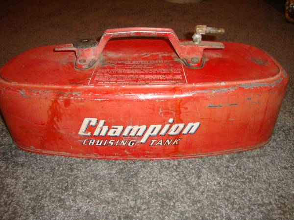 Photo vintage boat motor tank - $20 (AUSTIN MN)