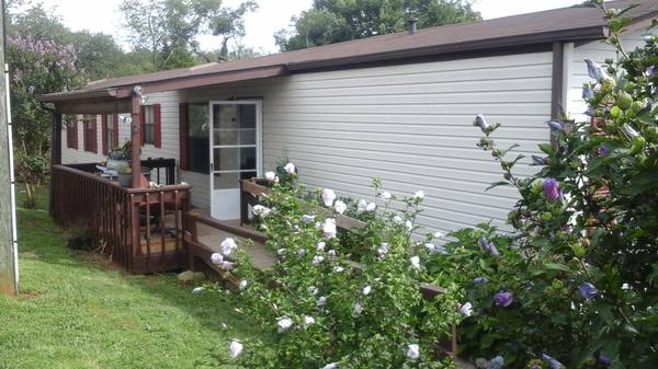 Photo 14x80 Mobile home for sale Owner finance (Mt. Pleasant Va. 5 min from Downtown Roanoke)