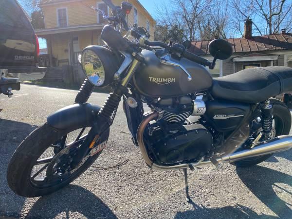 Photo 2019 Triumph Motorcycle - $9,500 (Lynchburg)