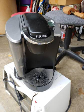 Photo Coffee maker and toaster oven (Winston south)