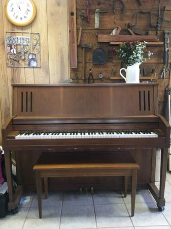 Photo Kimball Piano Reduced Price - $175 (Troutville)