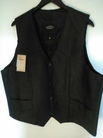 Photo Men39s XL Black Leather Vest Biker Moto Dress Snap Front Liberty Wear N - $35 (SALEM)