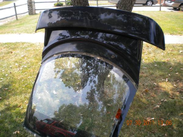 Photo Mitsubishi 3000GT Back Hatch - $150 (Hollins)