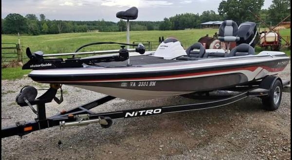 Photo REDUCED Nitro 591 Bass Boat with All Gear - $16000 (Lexington)