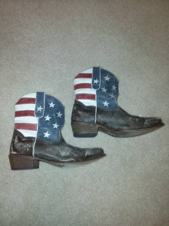 Photo Reduced - Roper Women39s American Beauty Western Boot - $35 (Daleville)