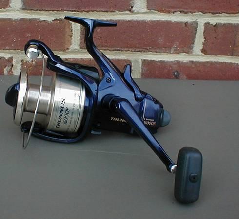 Photo Shimano Fishing Reel Thunnus 16000F Baitrunner 6 bearings AS NEW - $250 (Roanoke Valley)