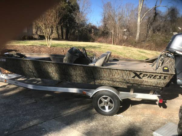 Photo Tunnel hull jet boat - $15000