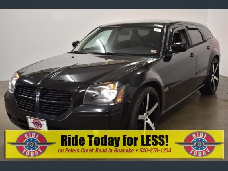 Photo Used 2006 Dodge Magnum RT for sale