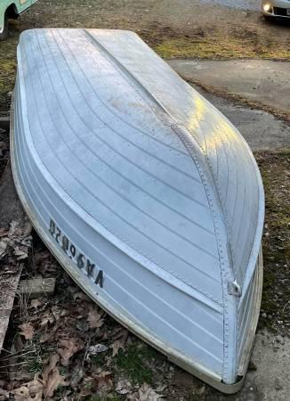 Photo Vintage 1439 StarCraft Boat - $800 (Roanoke)