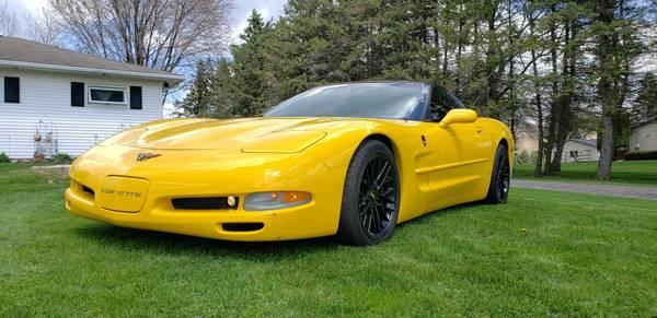 Photo 2002 Yellow C5 Corvette - $11495 (Victor)