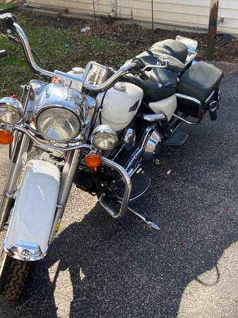 Photo 2004 Harley-Davidson FLHRCI Road King Classic - $7,000 (Rochester)