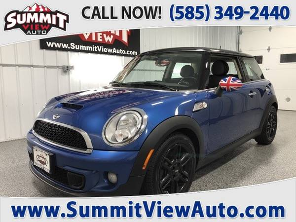 Photo 2013 MINI Cooper S  Compact Hatchback  Clean Carfax  2635 MPG ... - $7995 (Financing at www.SummitViewAuto.com  716-288-5223)