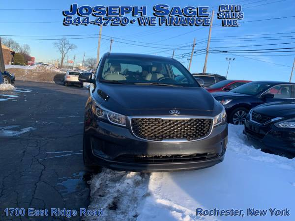 Photo 2016 Kia Sedona - We take trade-ins Push, pull, or drag (Joseph Sage Auto Sales Inc.)