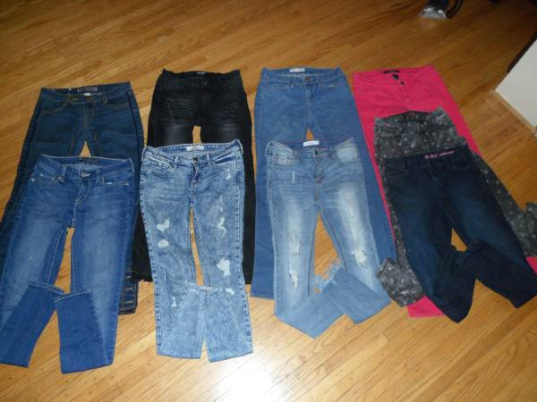 9 Girls Jeans Sizes 0 to 3 Clothes Lot Brand Hollister Wax Cello more - $30 (Irondequoit)