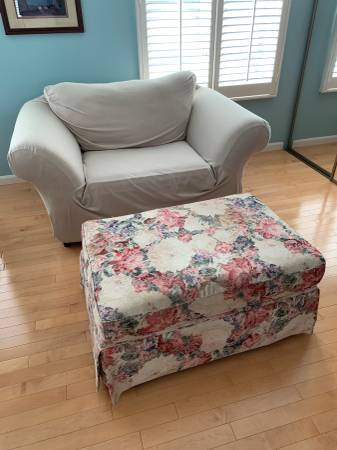 Photo Chair and Ottoman (with Chair cover) EXCELLENT Condition  - $40 (Pittsford)