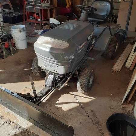Photo Craftsman tractor, with snow plow - $200 (Rochester)