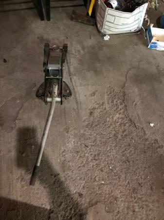 Photo Floor jack craftsman - $100