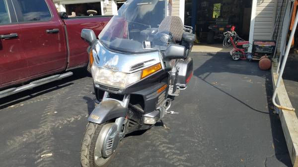 Photo HONDA GOLDWING 1500 - $2,500 (BATAVIA)