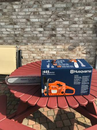Photo Husqvarna Chainsaw - $485 (Webster)