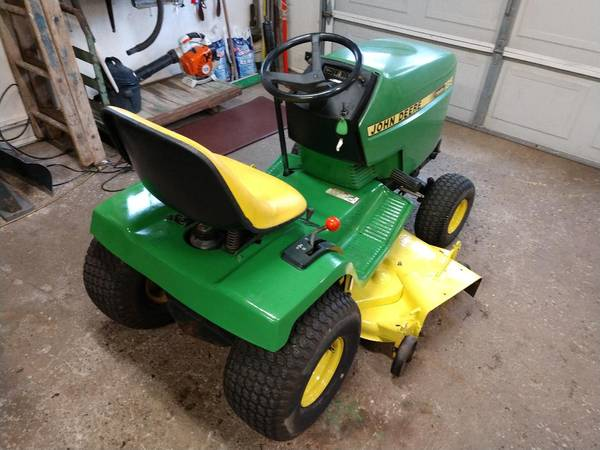 Photo John Deere 185 Hydro lawn mower - $650 (York NY)