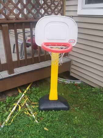 Photo Little tikes basketball hoop (Ontario Center)