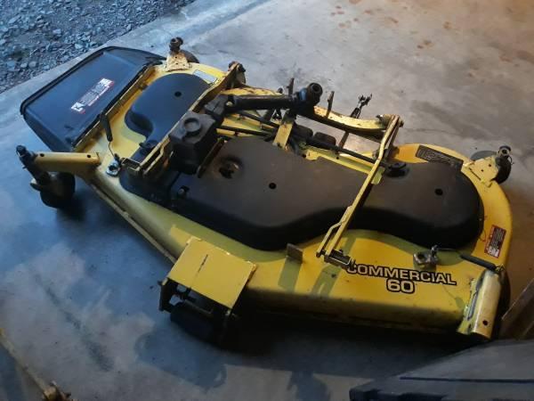Photo MOWER DECK - John Deere commercial 60 inch mower deck - $795 (CHURCHVILLE)