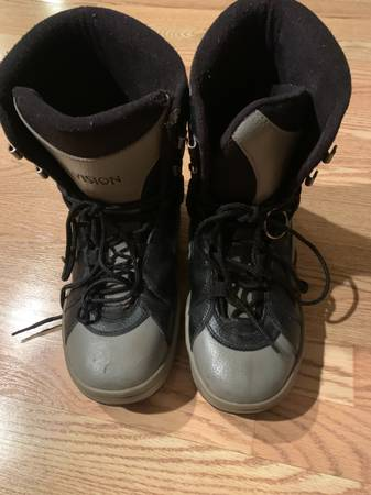 Photo Men39s snowboard boots size 10 vision black and gray - $30 (Airport)