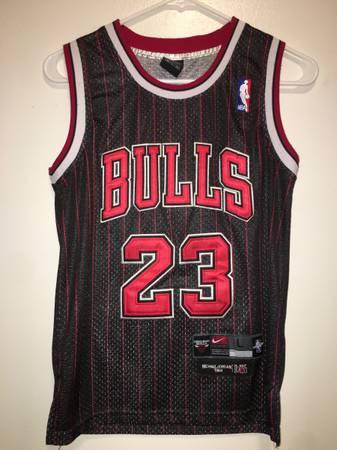 Photo Nike Chicago Bulls Michael Jordan Jersey Youth Size Large - $45 (Brighton, New York)
