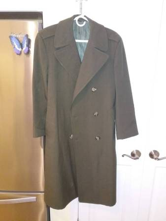 Photo Olive Green Men39s 36 Reg. Heavy Wool Topcoat  London Fog Ex Make a BO - $40 (Webster)