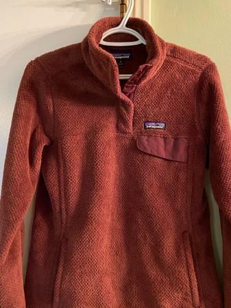 Photo Patagonia sweater(women Med) - $60 (Brighton)