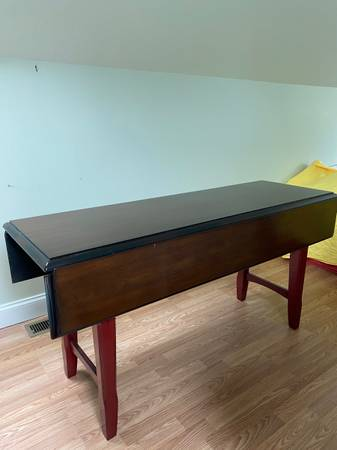 Photo Pier 1 Table - $250