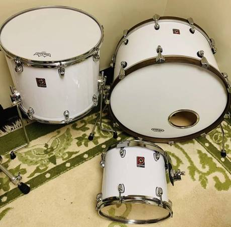 Photo Premier Drums Custom - $250 (Rochester)
