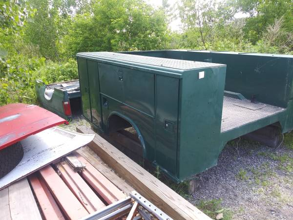 Photo Reading Utility bed 839 dually southern - $800 (Rochester)