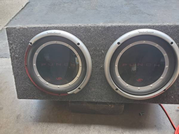 Photo Rockford Fosgate p3001 10quot punch subs - $150 (Greece)