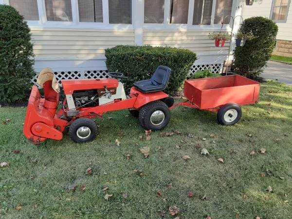 Photo Simplicity 727 Broadmoor Tractor with Snow Blower and Dump Cart - $650 (Rochester)