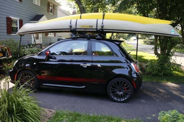 Photo Thule roof rack for Fiat 500 (minus bars) - $200 (Brighton, NY)