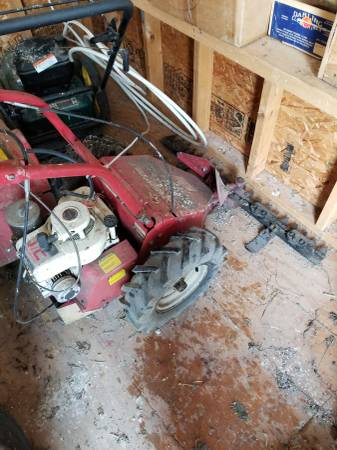 Photo Troy-Bilt sickle bar mower - $475 (Bergen)