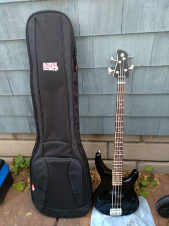 Photo Yamaha Bass - used for 1 hour in the studio - $160 (Pittsford)