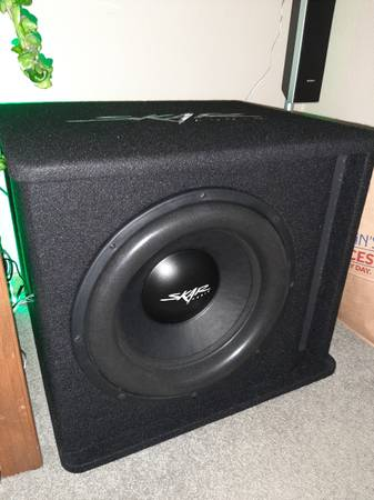 Photo 15quot skar audio sub and box...NEW - $400 (Rockford)