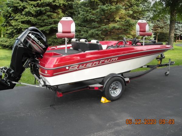 Photo 1639 Maxum Marine Quantum Bass Boat, Motor,  Trailer - $7,500 (Dixon, Illinois)